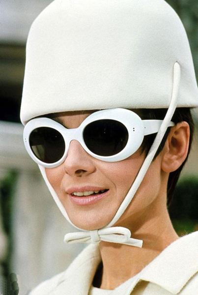 戴上墨镜 进军好莱坞-服装潮流搭配-服装设计网