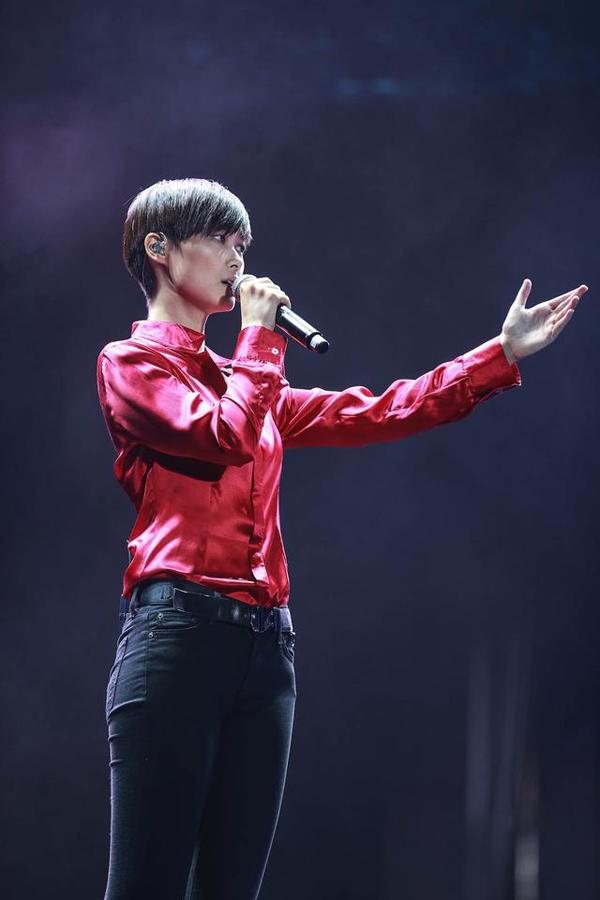 李宇春成都演唱会 四大国际顶级设计师联袂造型