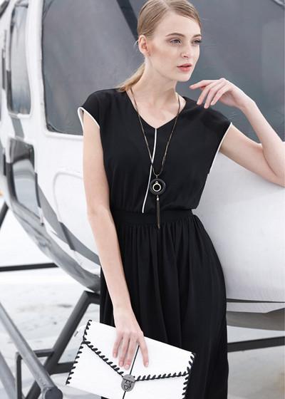 女装夏天黑色连衣裙搭配-服装潮流搭配-服装设计网