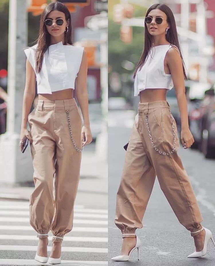 別再穿闊腿褲了,2019最流行的4條褲子長這樣圖片