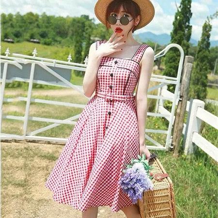 2019年春夏女装流行趋势 女装吊带裙(图12)