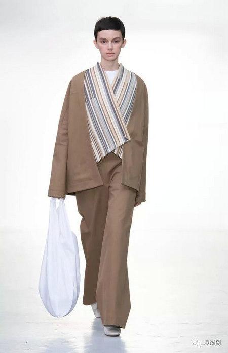 秋冬面料趋势 抓绒、长绒毛、柔软面料让时尚更舒适(图39)