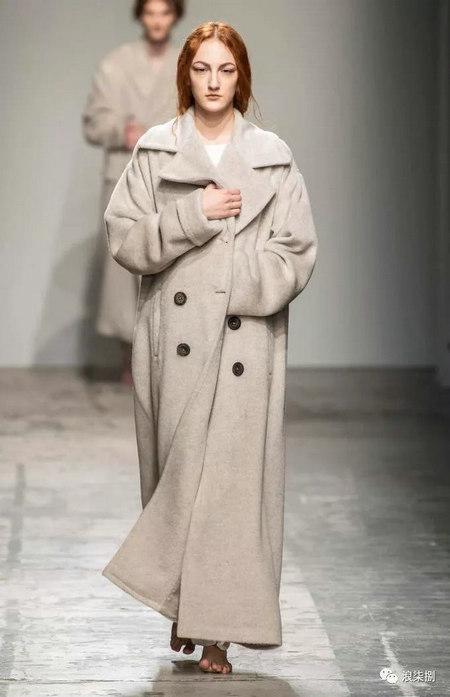 秋冬面料趋势 抓绒、长绒毛、柔软面料让时尚更舒适(图51)