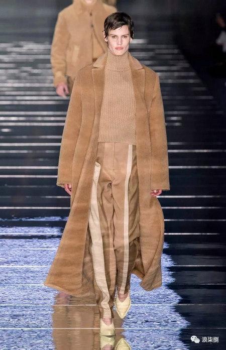 秋冬面料趋势 抓绒、长绒毛、柔软面料让时尚更舒适(图48)