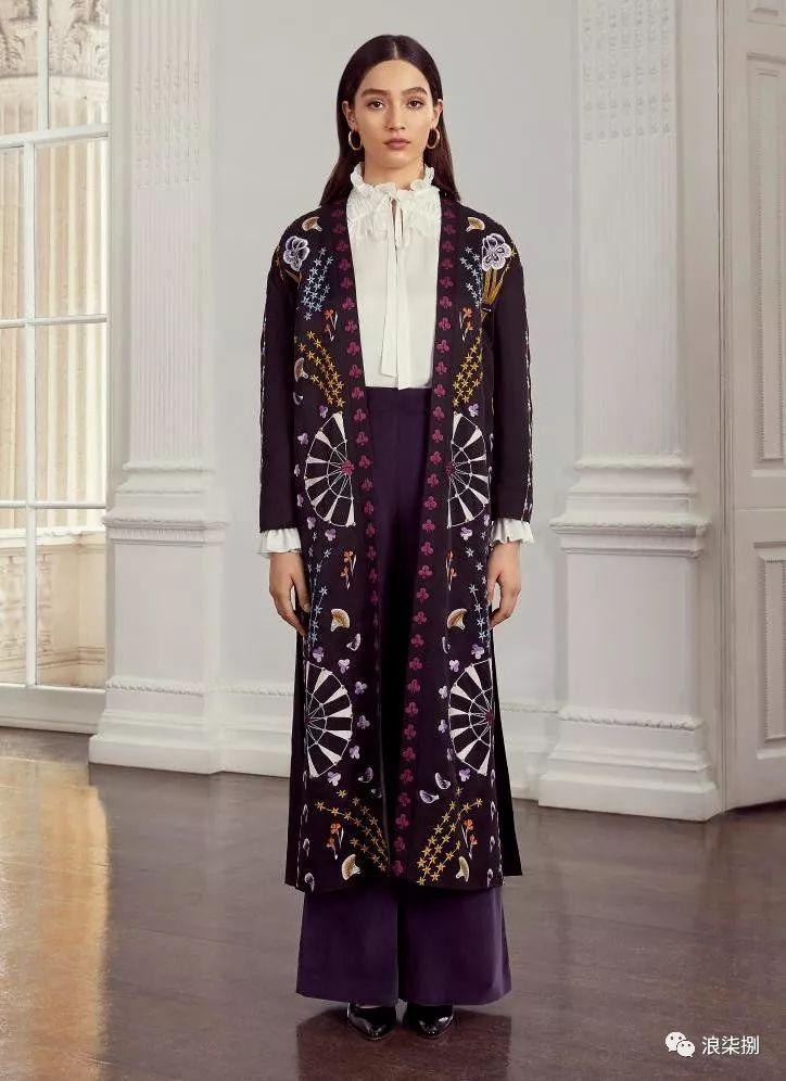 2020度假女装面料流行趋势,装饰锦缎(图35)
