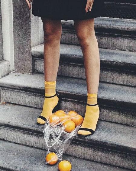还在穿黑白灰?奶蜜黄色才是2019春夏最美流行色啊!(图8)