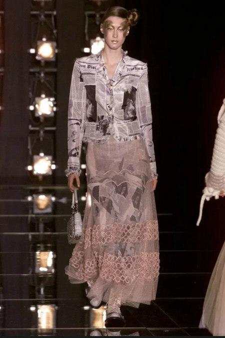 印花趋势 19年前 Dior 的报纸印花逆袭成时尚宠儿 (图7)