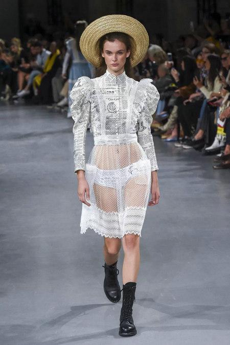 印花趋势 19年前 Dior 的报纸印花逆袭成时尚宠儿 (图11)