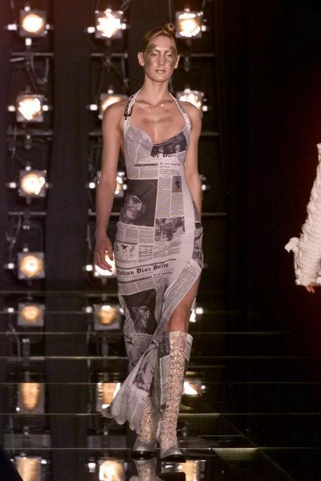 印花趋势 19年前 Dior 的报纸印花逆袭成时尚宠儿 (图8)