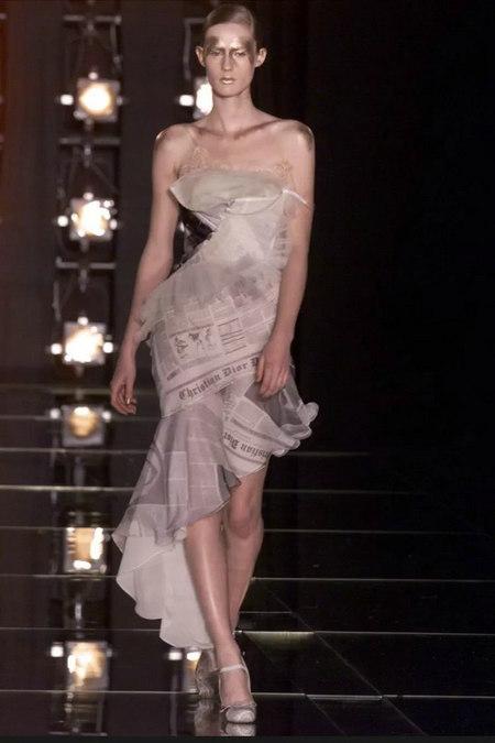 印花趋势 19年前 Dior 的报纸印花逆袭成时尚宠儿 (图6)