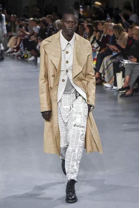 印花趋势 19年前 Dior 的报纸印花逆袭成时尚宠儿 (图14)