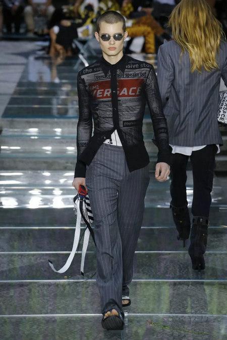 印花趋势 19年前 Dior 的报纸印花逆袭成时尚宠儿 (图18)