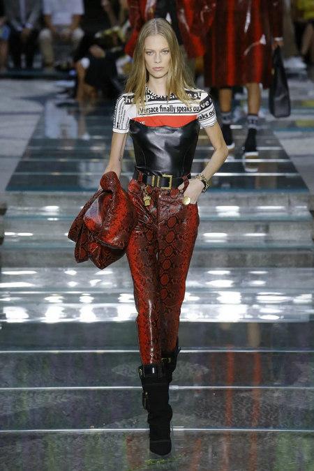 印花趋势 19年前 Dior 的报纸印花逆袭成时尚宠儿 (图20)