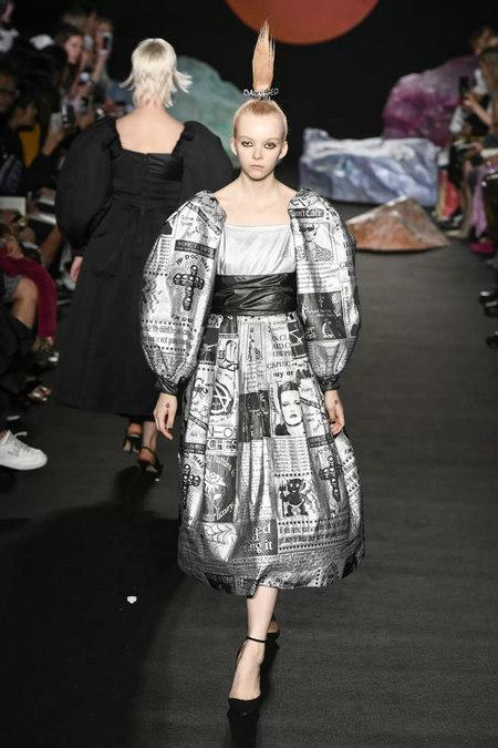 印花趋势 19年前 Dior 的报纸印花逆袭成时尚宠儿 (图24)