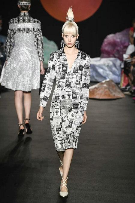 印花趋势 19年前 Dior 的报纸印花逆袭成时尚宠儿 (图22)