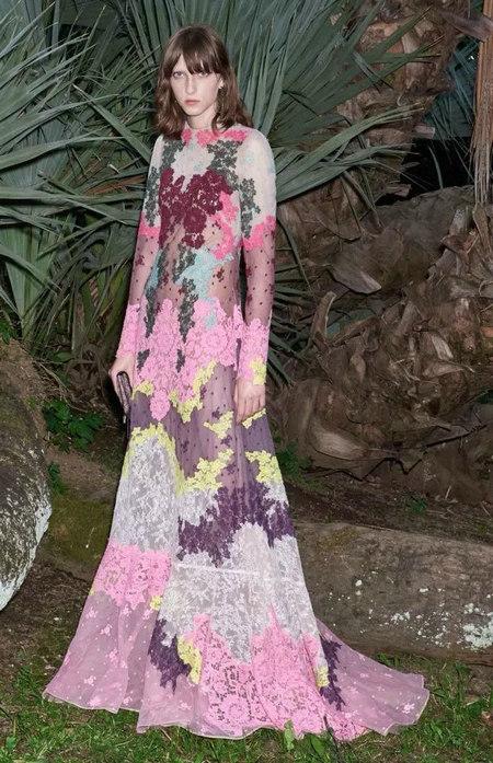 摩登粉色 2020春夏女装流行色(图30)