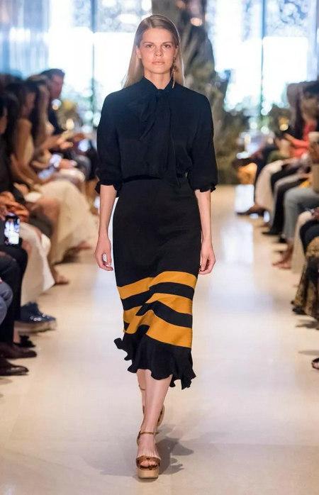女装单品流行趋势 喇叭半身裙,尽显你的女人魅力(图14)
