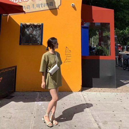 短上衣怎么搭配好看?今夏做个时髦的长腿精!(图20)