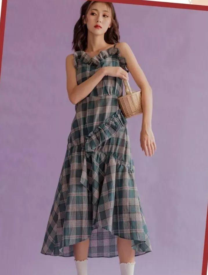 经典格子的教科书式穿搭,入秋一定要买的衣服,必!须!有!它!