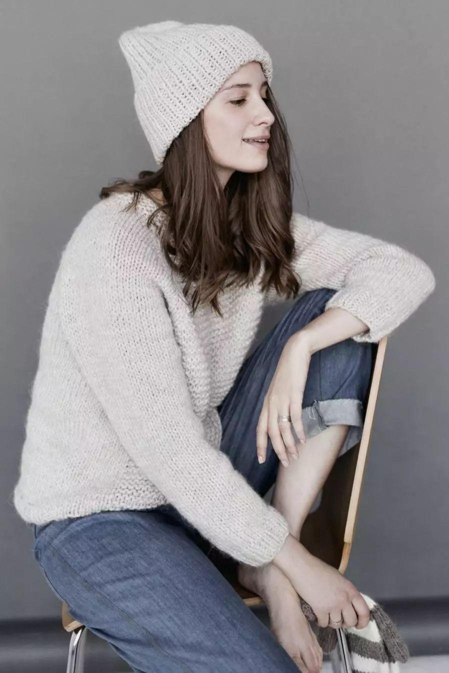 细腻 从多变的领间设计,看女装毛衫工艺趋势(图3)