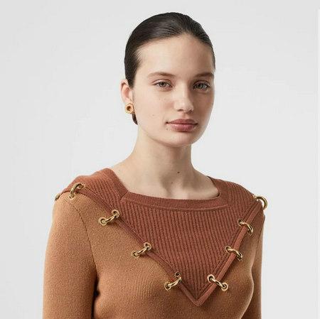 细腻 从多变的领间设计,看女装毛衫工艺趋势(图17)