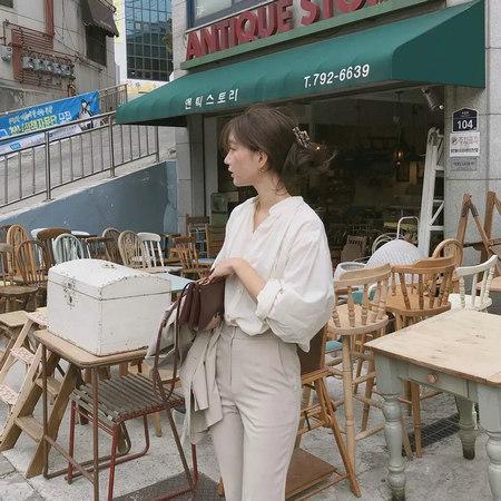 衬衫+奶奶裤,秋天超慵懒时髦风穿搭(图15)