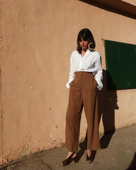 衬衫+奶奶裤,秋天超慵懒时髦风穿搭(图10)