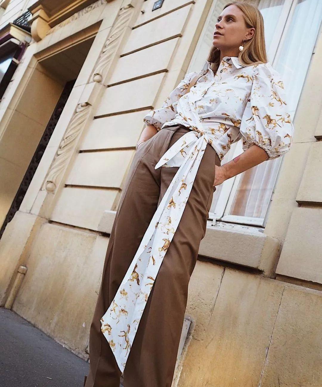 衬衫+奶奶裤,秋天超慵懒时髦风穿搭(图41)