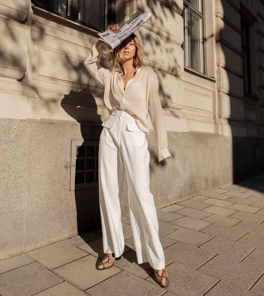 衬衫+奶奶裤,秋天超慵懒时髦风穿搭(图33)