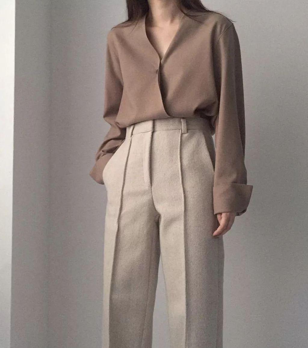 衬衫+奶奶裤,秋天超慵懒时髦风穿搭(图24)