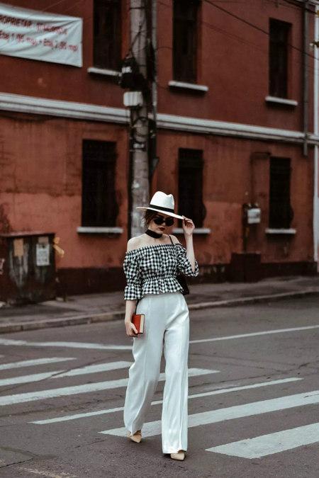 衬衫+奶奶裤,秋天超慵懒时髦风穿搭(图48)