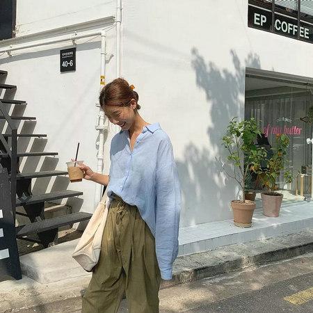 衬衫+奶奶裤,秋天超慵懒时髦风穿搭(图32)
