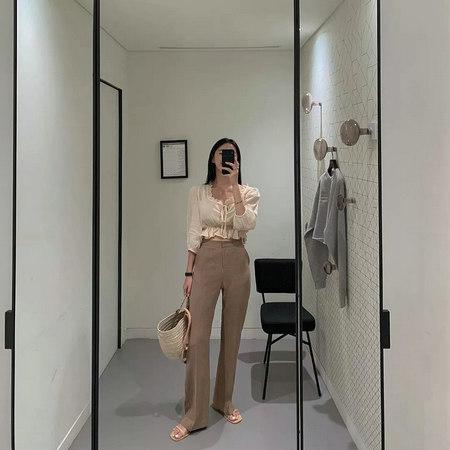 衬衫+奶奶裤,秋天超慵懒时髦风穿搭(图60)