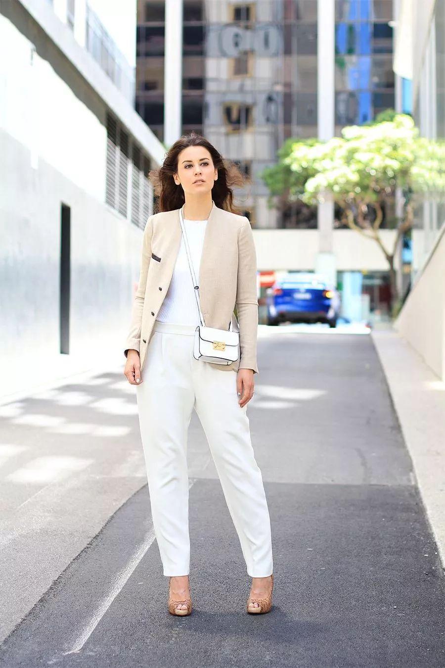 1条白裤子=60套秋季穿搭!