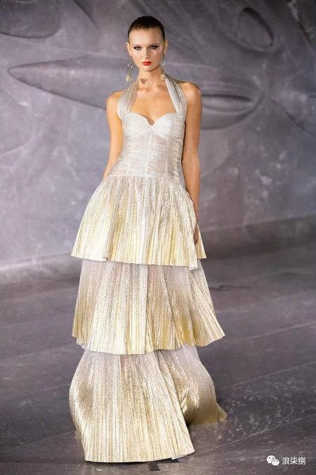 女装流行元素 褶皱,让你的设计简约不简单(图23)