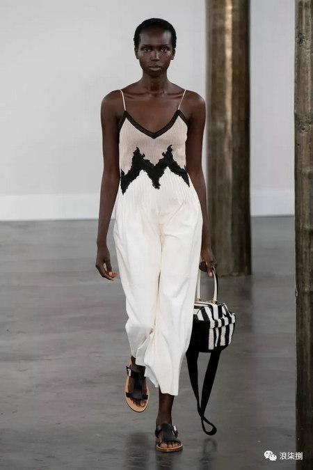 女装流行元素 褶皱,让你的设计简约不简单(图18)