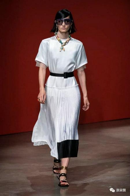 女装流行元素 褶皱,让你的设计简约不简单(图29)