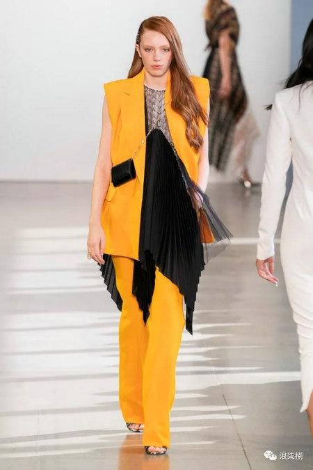 女装流行元素 褶皱,让你的设计简约不简单(图20)