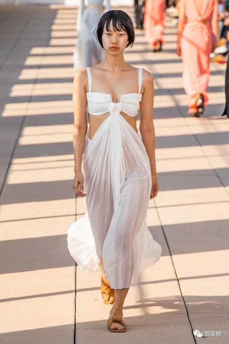 女装流行元素 褶皱,让你的设计简约不简单(图25)
