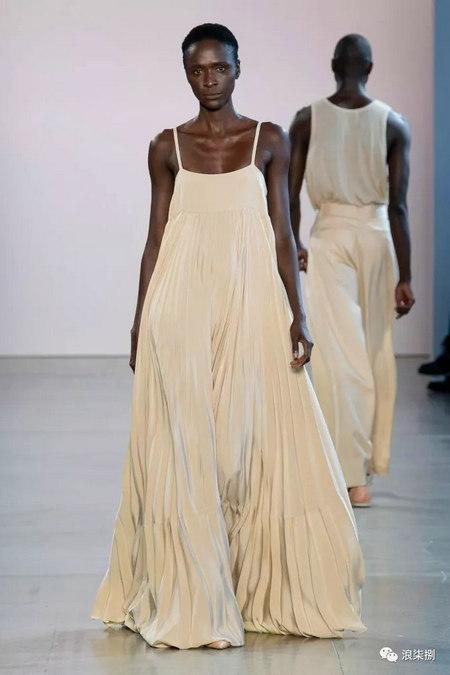 女装流行元素 褶皱,让你的设计简约不简单(图24)