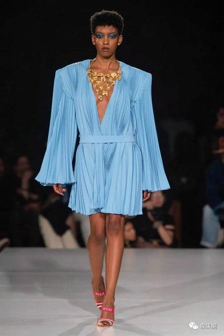 女装流行元素 褶皱,让你的设计简约不简单(图8)