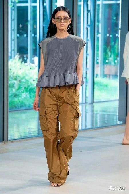女装流行元素 褶皱,让你的设计简约不简单(图6)