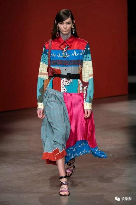 女装流行元素 褶皱,让你的设计简约不简单(图31)