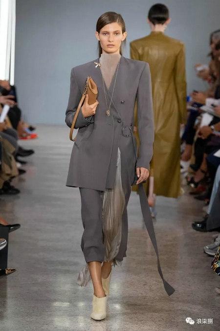 女装流行元素 褶皱,让你的设计简约不简单(图46)