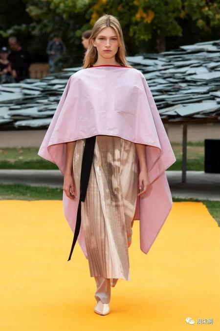 女装流行元素 褶皱,让你的设计简约不简单(图36)