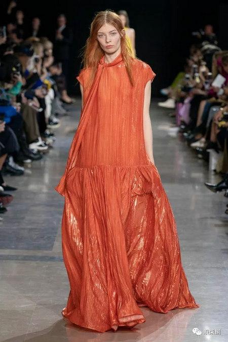 女装流行元素 褶皱,让你的设计简约不简单(图49)