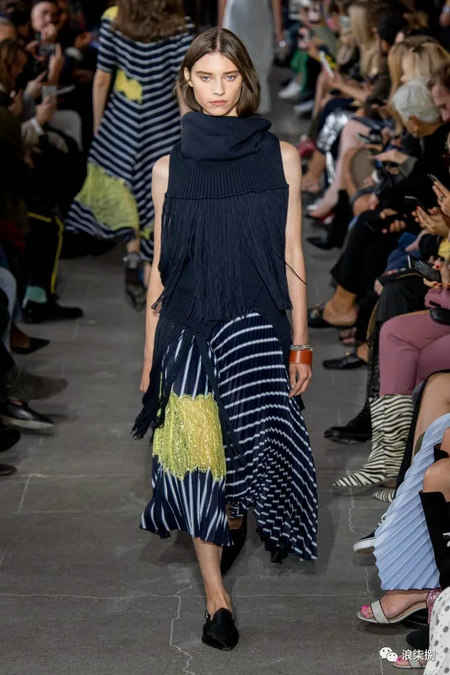 女装流行元素 褶皱,让你的设计简约不简单(图52)