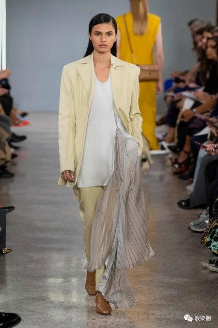 女装流行元素 褶皱,让你的设计简约不简单(图45)