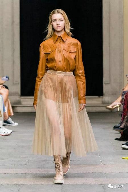 女装流行元素 褶皱,让你的设计简约不简单(图48)