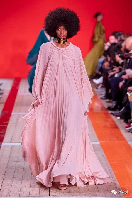 女装流行元素 褶皱,让你的设计简约不简单(图55)